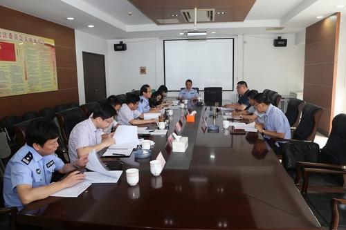 市领导杨崇华、范建国至市公安局检查指导工作