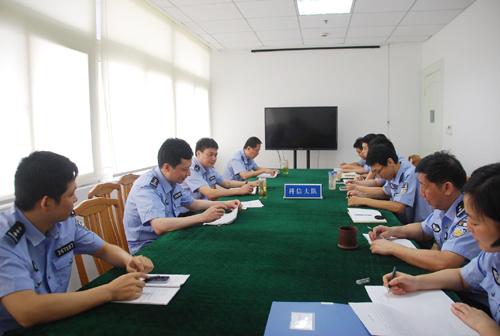 市公安局党委班子至联系点党支部参加专题组织生活会