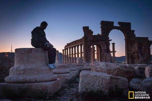 枪林弹雨下的文明,帕尔米拉古城文物抢夺战图片