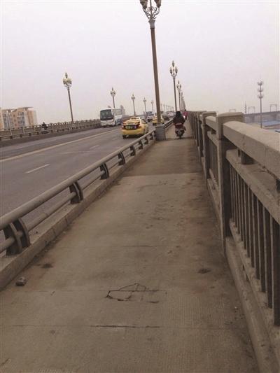 南京长江大桥拟花9亿维修两年半