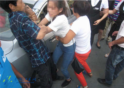 女大学生陷传销对前来营救父母高喊滚出去
