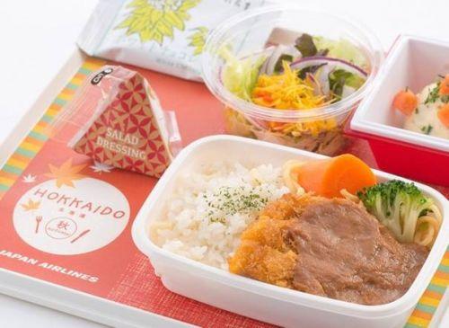 国泰航空是香港航空公司的老大,飞机餐也是老大!