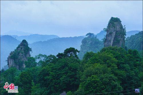 曾家集镇(夜宿)/鸳鸯池(夜宿)--森林公园--麻柳大峡谷--广元--成都
