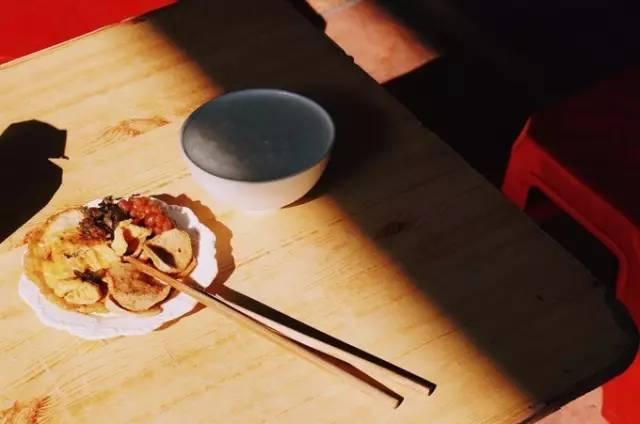 蔡澜钟爱的这座美食遍布的华南老城 有着电影质感的老街小巷