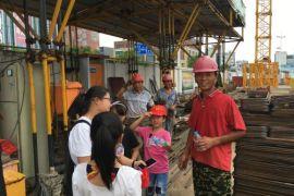 社区志愿活动—慰问建筑工人