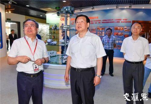 娄勤俭书记在中国电子科技集团第二十八研究所调研。